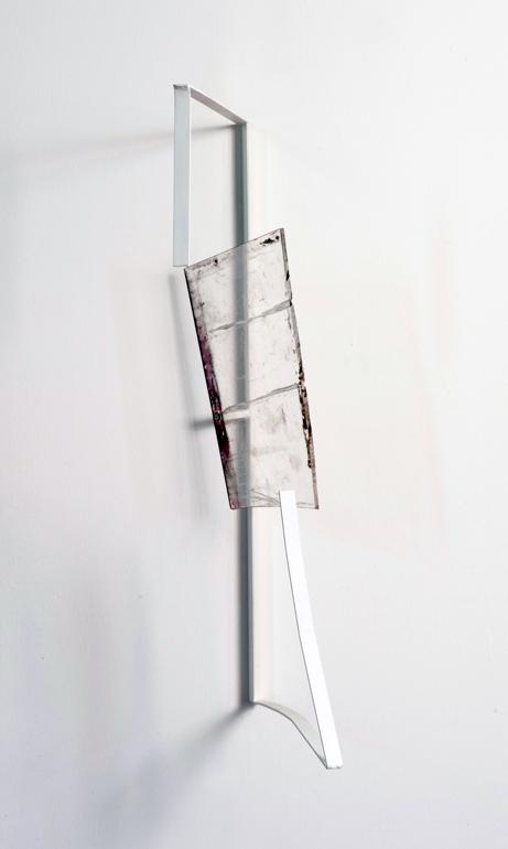 2013, ferro verniciato, plexiglas pigmentato, trattato, cm 80 x 50 x 40