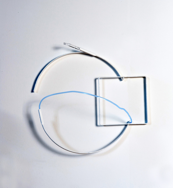 2013, ferro verniciato, plexiglas colorato, trattato, cm 50 x 40 x 10